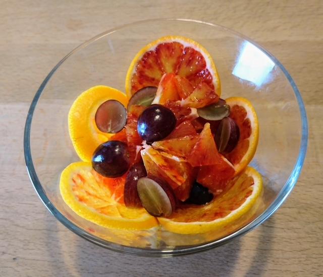 fertiger Orangensalat in einer Schüssel